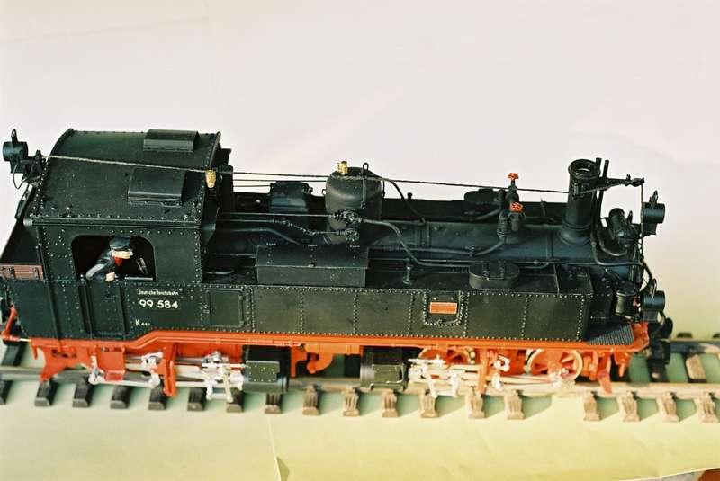 F1020036