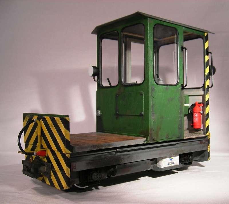 feldbahn dieseltraktor in 1 12 5 modellbahn forum f r 1. Black Bedroom Furniture Sets. Home Design Ideas