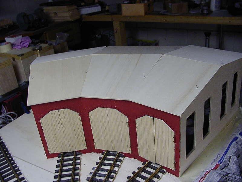 bau eines ringlokschuppens modellbahn forum f r 1 22 5. Black Bedroom Furniture Sets. Home Design Ideas